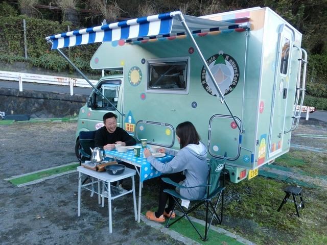 軽トラタイプキャンピングカー シーン2