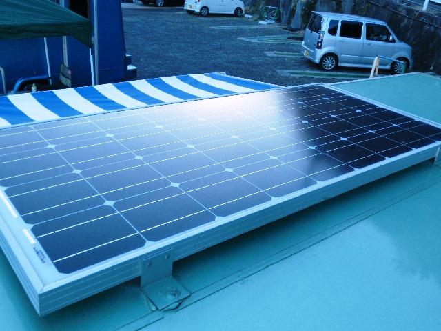 軽トラキャンピングカー ソーラーパネル